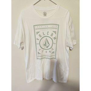 Men's volcom tee shirt